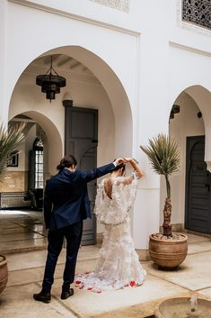Victoria and Yoni's Colourful & Vibrant Destination Wedding in Marrakech Visit Marrakech, Croquembouche, Moroccan Wedding, Getting Engaged, I Dress, Henna, Destination Wedding, Dancer, Vibrant