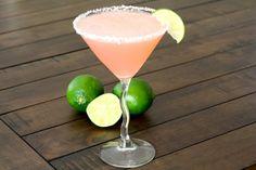 Effortless Pretty in Pink Cocktails | Wedding Blog, Wedding Planning Blog | Perfect Wedding Guide