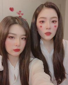 Red Velvet Seulgi, Red Velvet Irene, Two Piece Outfits Shorts, Seulgi Instagram, Korean Best Friends, Star Girl, Korean Girl Groups, Cool Girl, We Heart It