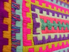 Resultado de imagen para CAÑAMAZO ZWEIGART 955 ARGENTINA Yarn Crafts, Diy And Crafts, Plastic Mat, Plastic Canvas Stitches, Fabric Yarn, Bargello, Interior Design Inspiration, Art Lessons, Needlepoint