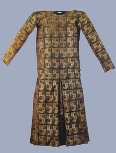 Saya de Fernando de la Cerda (1255-1275). Silk fibers and yarns gimped in gold and silver. Source link Burgos Museum. Look under Museo de telas medievales