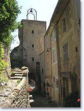 Montbrun straat richting de campanile