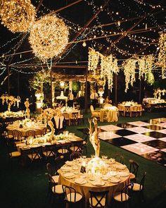 """61 curtidas, 10 comentários - Armazém Inspira (@armazeminspira) no Instagram: """"Luzes! ✨ Para um casamento a noite e ao ar livre abuse das luzes! Elas estão super em alta e dão…"""""""
