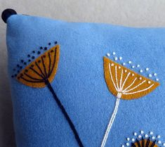 Wool Embroidery, Textiles, Felt Crafts, Pillow Covers, Throw Pillows, Stitch, Diy, Bags, Handbags