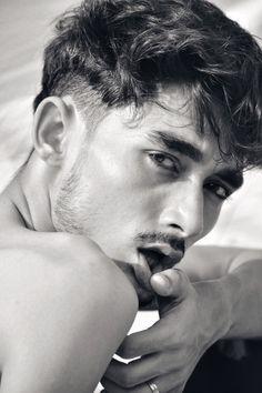 Sexy Summer Sunny Boy Amar Indian Male Model, Indian Boy, Good Buddy, Summer Boy, Androgyny, Fashion Gallery, Business Fashion, Male Models, Sunnies