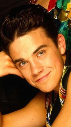 Robbie Williams Take That, Spanish Men, The Power Of Music, Robin Williams, Feeling Happy, Writer, Singer, Stars, Boys