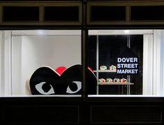 PLAY windows designed by Rei Kawakubo for Doverstreet Market London. Rei Kawakubo, Pop Display, Visual Display, Dover Street Market London, Point Of Purchase, Retail Windows, Comme Des Garcons, Visual Merchandising, Fashion Merchandising