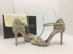 d4e59db02f09 Badgley Mischka Ivory Satin Tampa Evening Bridal High Heels Sandals M  Formal Shoes Size US 5