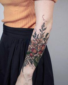 Apples, ferns and wild vetch, thanks Margarita! - Apples, ferns and wild vetch, thanks Margarita! Botanisches Tattoo, Fern Tattoo, Cover Tattoo, Piercing Tattoo, Tattoo Shop, Tattoo Small, Tattoo Flash, Pretty Tattoos, Cute Tattoos