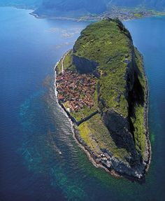 This is what the hidden town of Monemvasia, Greece looks like