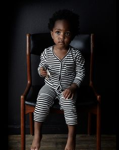 Description For when you want your baby to look a little bit French. Chic stripes add a little Parisian flair to Goat-Milk's classic long sleeve Union Suit. This unisex striped jumper is made from 100