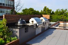 Outdoor Kitchen | Chicago Roof Deck and Garden