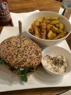 Mijn ervaring met het vegetarische en duurzame restaurant Greenway Antwerpen. Glutenvrij, vegan, vegetarisch, suikervrij, groen