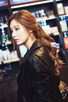 Seohyun (서현) is a South Korean solo singer and actress currently under Namoo Actors. She is also a member of Girls' Generation (SNSD). Sooyoung, Seohyun, Yuri, Kpop Girl Groups, Kpop Girls, Korean Beauty, Asian Beauty, Korean Girl Band, Korean Celebrities