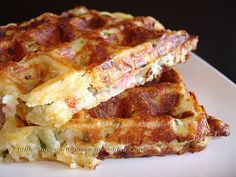 Potato, bacon and cheese waffles Easy Cooking, Cooking Time, Cooking Recipes, I Love Food, Good Food, Yummy Food, Tapas, Food Porn, Salty Foods