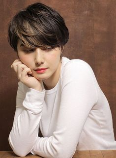 WomenHaircutTips These will also add body and volume to your hair. Very Short Hair, Short Hair Cuts, Short Hair Styles, Short Hairstyles For Women, Hairstyles Haircuts, Haircut Designs, Hair Arrange, Haircut And Color, Hair Inspiration