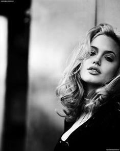 Портрет Анжелины Джоли