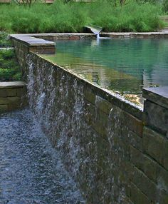 Techniques For Implementing A Home Landscaping Project! My Pool, Swimming Pools Backyard, Swimming Pool Designs, Garden Pool, Natural Swimming Ponds, Natural Pond, Waterfall Fountain, Pool Waterfall, Piscina Interior