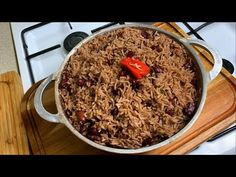 Rice and Peas Recipe Ingredients List —————————————— 2 cups kidney beans soaked for hours (overnight is better) tsp salt adjust to preference 1 tbsp . Caribbean Rice, Recipe Ingredients List, Yellow Rice Recipes, Jamaican Dishes, Rice And Peas, How To Cook Beans, Pea Recipes, Island Food, Canned Coconut Milk