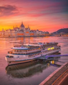 Magical Morning Lights in Budapest ... Would you wake up so early just to watch this beauty? ... ... #budapest #cityscape #europe #luxury #krennimre #wonderful_places #budapesthungary #best_worldplaces #traveling #awesomepix #earthvacations #discoverearth #hungary #ig_europa #travel #photooftheday #beautifuldestinations #earthpix #wonderful_earthpix #awesome_earthpix #architecture #fantastic_colours #bestvacations #living_europe #wanderlust #travellingtroughtheworld #dscvr_earth...