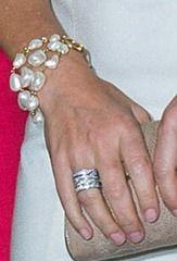 Modern freshwater pearl bracelet by Marianne Dulong