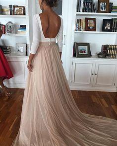 Así es el vestido de Macarena ..después de la ceremonia..un estilo diferente romántico ..tul de seda en rosa empolvado...dos vestidos es uno ...que os parece ...💝💝💝💝#modaespañola #moda #fasiondress #fhasion #couturebridal #diseñador #diseño #altacostura #couture #boda #bodas2016 ##couturebridal #rubenhernandez #fasiondress #novias2017 #noviasdiferentes #novias #noviasromanticas #ateliers #atelier #altacostura #diseño #diseñador #fasiondress #bridal #hechoamano #hechosatumedida…