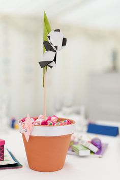 How amazing is this origami centerpiece!