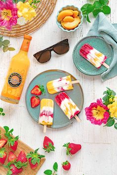 Fruit Lollies, Fruity Alcohol Drinks, Food Poster Design, Strawberry Ice Cream, Ice Ice Baby, Popsicle Recipes, Morning Food, Cauliflower Recipes, Dessert Recipes