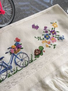 "Kanvas Duvar Panolari En Iyisi Wall Display Templates ""uppercross Lane"" In 2018 Small Cross Stitch, Cross Stitch Flowers, Cross Stitch Designs, Cross Stitch Patterns, Wool Embroidery, Hand Embroidery Stitches, Cross Stitch Embroidery, Stitch Crochet, Ribbon Work"