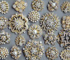 VENTE 10 strass assortiment grand bouton broche embellissement cristal nacré or mariage broche Bouquet gâteau cheveux peigne BT099