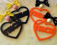 Funky Earrings, Dangly Earrings, Weird Jewelry, Jewlery, Making Friendship Bracelets, Barbie Birthday, Pink Mirror, Laser Cut Acrylic, Plastic Jewelry