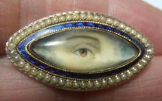 RARE-GEORGIAN-ROSE-GOLD-amp-SEED-PEARL-LOVERS-EYE-MOURNING-BROOCH