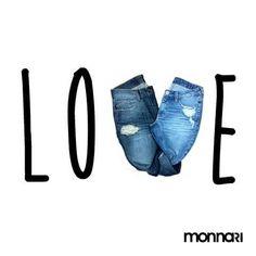 LOVE JEANS | E se a gente vai juntinho, vai bem!  #monnarilovers #juntinho…