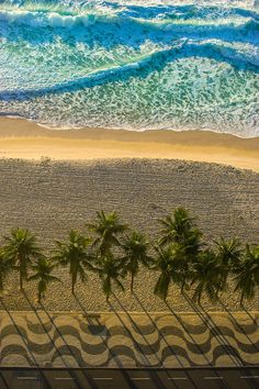 Orla da Praia de Copacabana, Rio de Janeiro - RJ - Fotografias e Quadros | Compre na Peach Photo Art