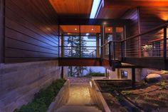 Elegant Coeur D'Alene Cabin Blends Lovely Lake Views With Modern Interiors