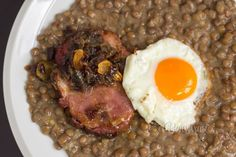 Brown lentils with ham and egg - Šošovica s údeným • bonvivani.sk (Slovak language)