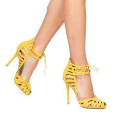 Izabella rue marcita saldal Heel ,Brand New Marcita By Izabella Rue reptile lace-up pumps , mustard ,pre-owned ,used once Isabella rue Shoes Heels