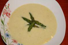 Cream of leek and asparagus