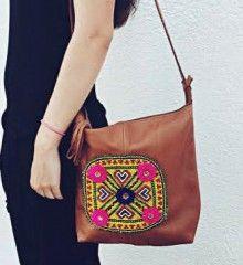 Bolso Etnico www.con2takones.com 35€ tienda online Shoulder Bag, Bags, Fashion, Tent, Clothing, Handbags, Moda, Dime Bags, Shoulder Bags