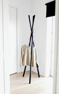 ANNALEENAS HEM // diy coat hanger