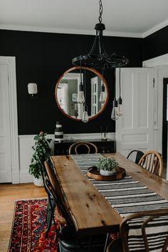 Dining Room Table Decor, Dining Room Walls, Dining Room Design, Warm Dining Room, Dining Room Colors, Dining Room Modern, Kitchen With Dining Room, Eclectic Dining Rooms, Black Dining Rooms