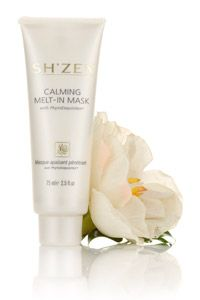 Calming Melt-in-Mask is a luxurious recharging treatment that enhances the overall condition of skin in just minutes- leaving it plumped up with moisture and looking luminous.