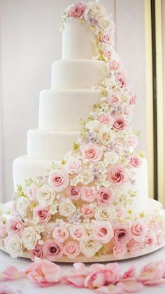 Pink Wedding Cakes Pretty Pink Rose Tiered Wedding Cake - One thing is certain is that wedding cake ideas are absolutely beautiful. From floral decorations, multiple layers to simply unique wedding cakes. Cool Wedding Cakes, Beautiful Wedding Cakes, Wedding Cake Designs, Beautiful Cakes, Princess Wedding Cakes, Tiered Wedding Cakes, Flower Wedding Cakes, Classic Wedding Cakes, Large Wedding Cakes