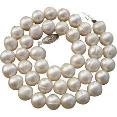 BIG Beautiful 10.4mm Ivory White Cultured Pearls 17.5' Necklace  -- found at www.rubylane.com @rubylanecom