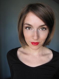 Simple makeup with a red pout // The Daily Face - Annamarie Tendler