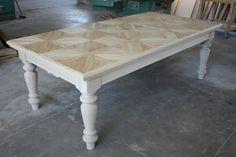 #tavolo in rovere massello con gambe tornite e piano a doghe #fattoamano #madeinitaly