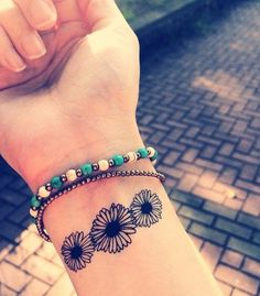 simple daisy tattoos - Google Search