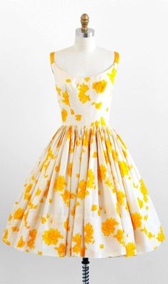 vintage 1950s dress / 50s dress / White and Yellow Roses Watercolor Silk Party…