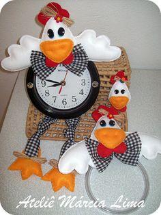Chicken Little Foam Crafts, Crafts To Make, Crafts For Kids, Chicken Crafts, Chicken Art, Christmas Clock, Christmas Crafts, Weird Birds, Rooster Decor
