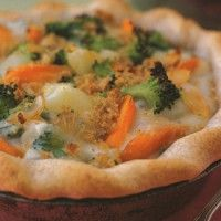 HEARTY VEGETABLE POT PIEEveryone loves this nostalgic classic, whether served at everyday meals or as holiday fare. Using prepared whole-grain pie crusts makes pot pies a snap to prepare.